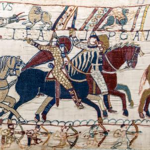 Fragment del Tapis de Bayeaux. Font Centre Guillaume le Conquerant. Museu de Bayeaux (1)
