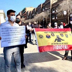 EuropaPressCasi 100 personas se concentran contra los cortes en la Avenida Meridiana de Barcelona por el 1-O