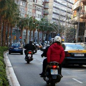 moto coche tráfico Barcelona velocidad / ACN
