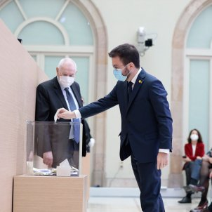 Constitución Parlament 2021 Pere Aragonès votación EFE