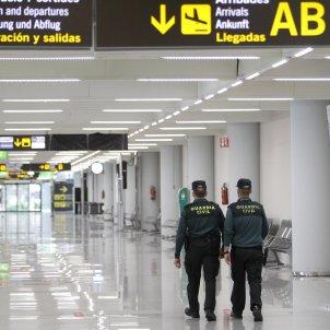 EuropaPress / dos guardias civiles aeropuerto palma mallorca islas baleares
