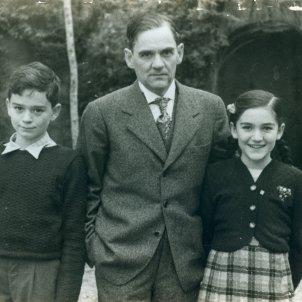 Manuel Reventós y sus hijos, Joan i Ma Victòria. Archivo Família Reventós.
