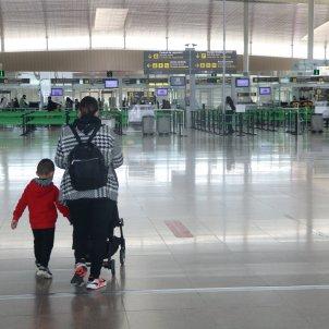 setmana santa aeroport prat covid - acn