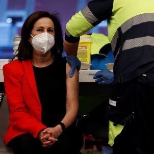 Margarita Robles vacuna EFE
