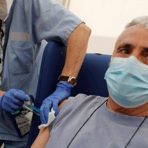 vacunación astrazeneca 60 a 69 años / EFE