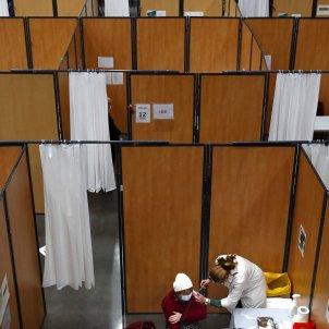França centre vacunació AstraZeneca EFE