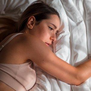 Mujer insomne