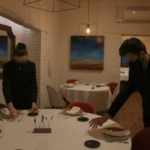 Camareros girona restaurante coronavirus ACN