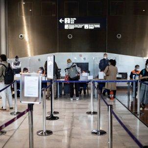 aeropuerto charles de gaulle paris EFE
