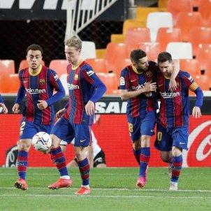 Jordi Alba Leo Messi De Jong Dest Pedri Barca Valencia celebracion EFE