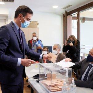 sanchez vota eleccions madrid - EFE