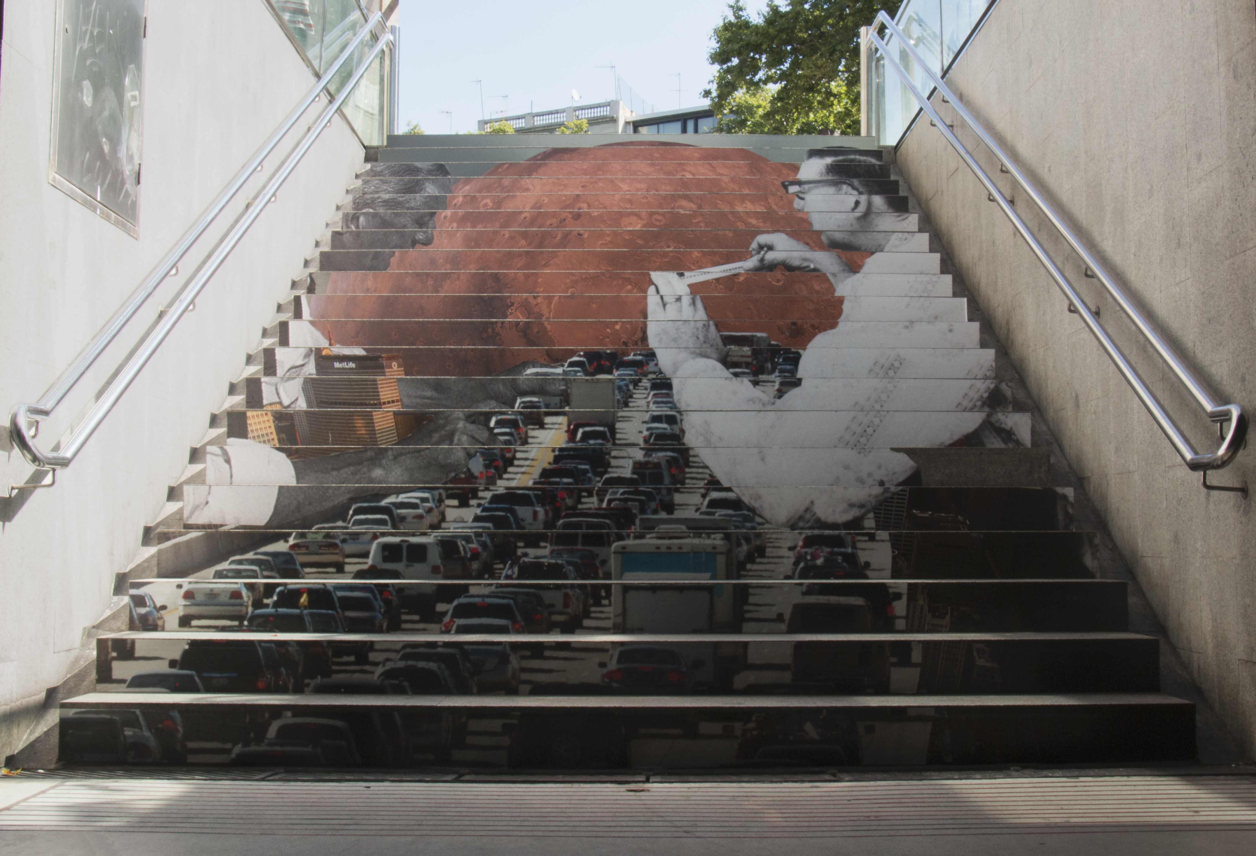 El arte fluye por las escalera del metro - Esdi sabadell ...
