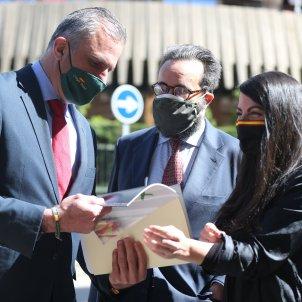 secretario general partido Vox  Javier Ortega Smith secretaria general grupo parlamentario Macarena Olona EP