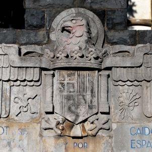monument olot josep ferres