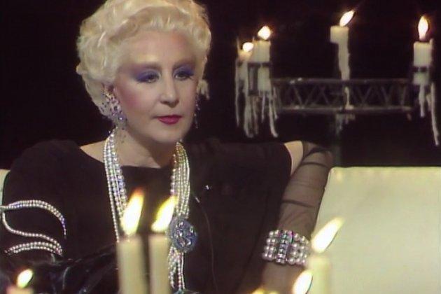 Karmele Marchante look 1987 en TVE