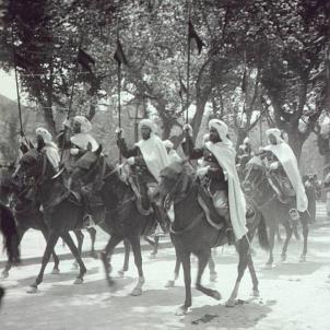 El Gran Visir franquista del Marroc visita Barcelona. Guardia Mora. Font Viquipedia (1)