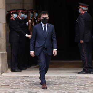 Salida Parlament Aragonès Mossos investidura / Sergi Alcàzar