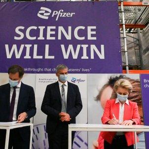 Ursula Von der Leyen en la fàbrica de Pfizer / ACN