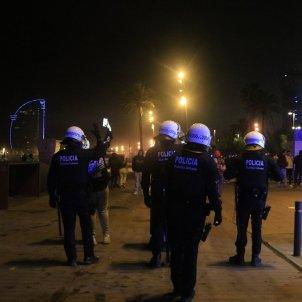mossos botellon barcelona fin toque queda ACN