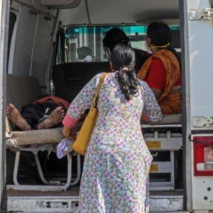 Ambulacias India crisi covid / efe