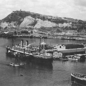 Arriba a Barcelona el primer creuer turístic després de la Guerra Civil. Port de Barcelona (circa 1939). Font Institut de Cultura de Barcelona