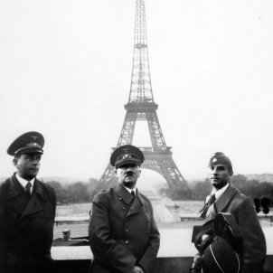 Adolf Hitler in Paris 1940 wikimedia