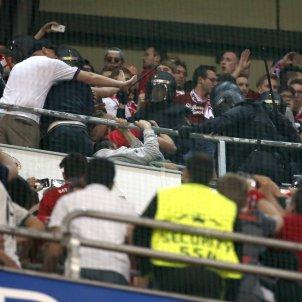 Santiago Bernabeu policia Bayern Madrid EFE