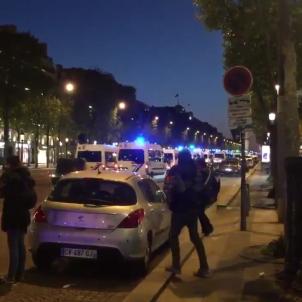 captura shafikFM twitter atac paris