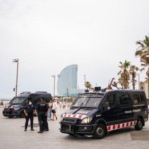 EuropaPress dispositivo policial playa sant sebastia barcelona rey felipe vi / Europa Press