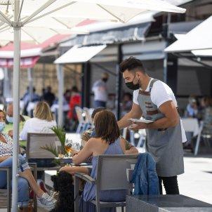 EuropaPress terraza bar paseo maritimo playa covid restaurante