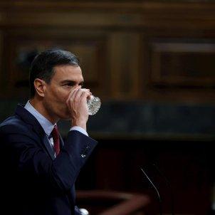 Pedro Sánchez, congreso, comparecencia, indultos, bebiendo agua   EFE