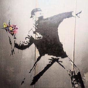 llançador de flors banksy
