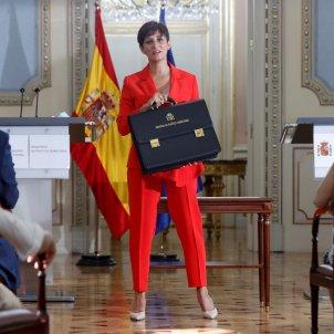 La ministra de Política Territorial, Isabel Rodríguez, recibe la cartera de el ministro de Cultura y Deportes Miquel Iceta 03   EFE