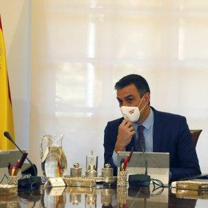 El presidente del Gobierno, Pedro Sánchez y la Vicepresidenta Primera, Nadia Claviño, Palacio de la Moncloa   EFE