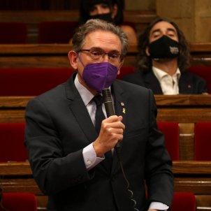 Jaume Giró en el pleno del parlament - ACN