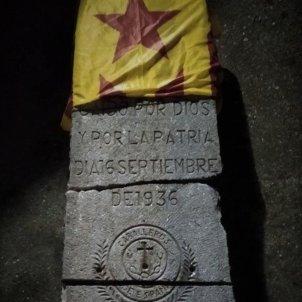 Acció independència monumento franquista twitter