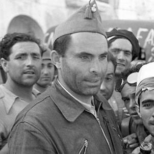 La Columna Durruti surt de Barcelona cap al front de guerra. Durruti i milicians. Font International Workers League