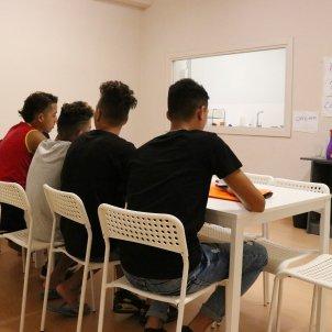 Menores no acompañados centro acogida Badalona Catalunya ACN