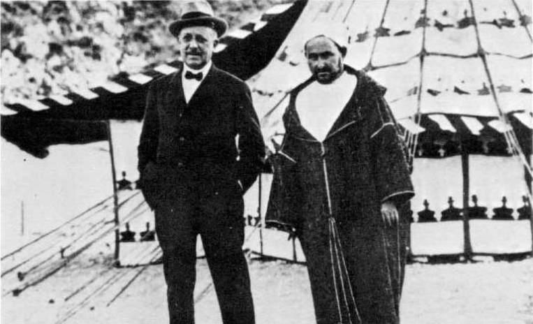 Horacio Echevarrieta i Abd el Krim. Font Euskomedia