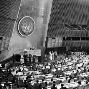 L'Estat espanyol ratifica el Dret a l'Autodeterminació dels Pobles.  Font United Nations Library