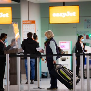 EuropaPress / united kingdom london passengers check in for the first holiday