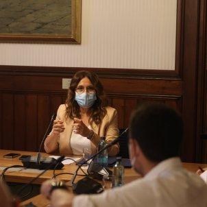 El Vicepresidente del Govern, Jordi Puigneró i la Consellera de la Presidencia, Laura Vilagrà con los grupos para explicar la reunión bilateral - Sergi Alcàzar.