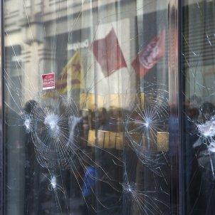 Manifestació destrosses