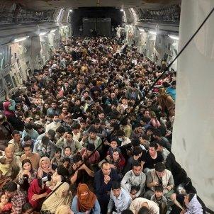afganistan aeropuerto talibanes afganeses refugiados vuelo americano efe