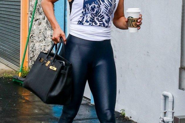 Jennifer Lopez and the leggings