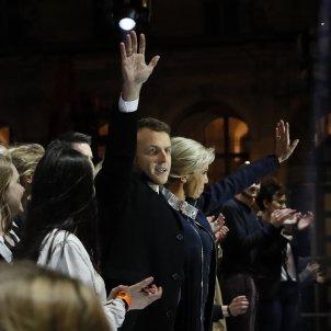 20170508 França Victoria Macron festa