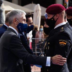 EuropaPress 3958328 ministro interior fernando grande marlaska saluda agentes cuerpo nacional