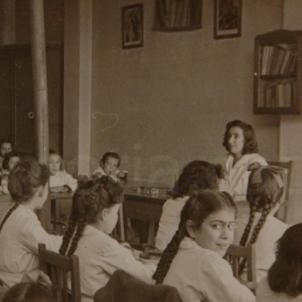 El regim franquista reimposa el Dia de la Raza a les escoles catalanes. Font Arxiu Comarcal del Bages. Fons Abadal