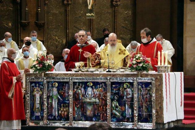 El nuevo padre abad de Montserrat junto en el obispo, Manel - ACN