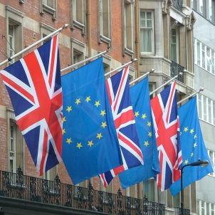UK EU banderes